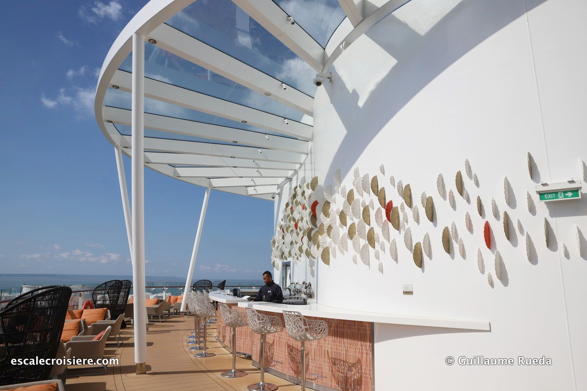 Celebrity Edge - Sunset bar