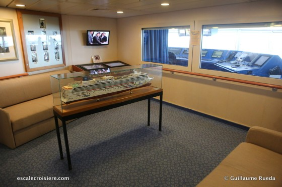 Norwegian Pearl - Bridge Viewing Room