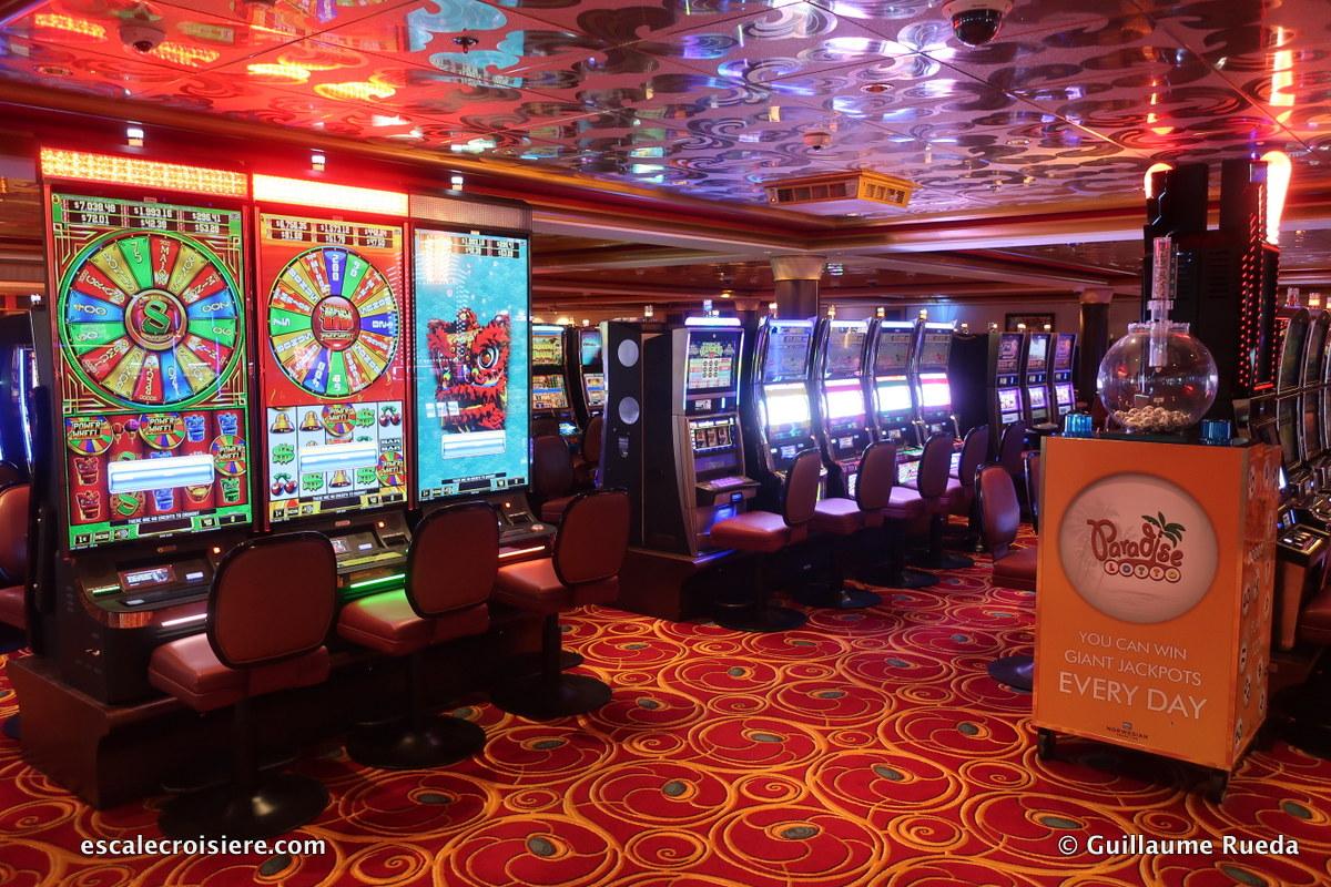 Norwegian Pearl - Casino