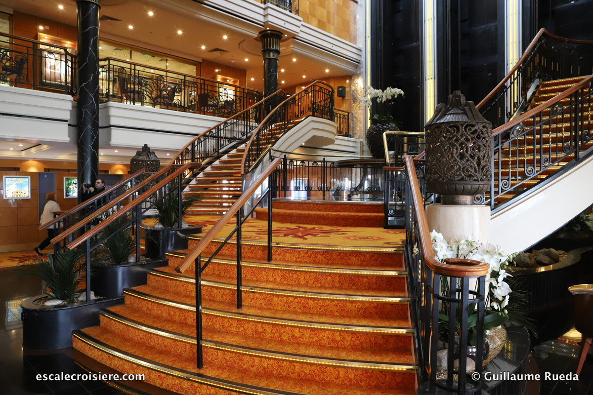 Norwegian Spirit - Atrium Grand Centrum