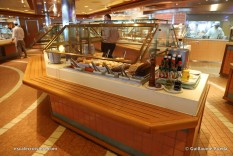 Crown Princess - Horizon court buffet