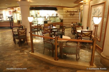 Crown Princess - International café