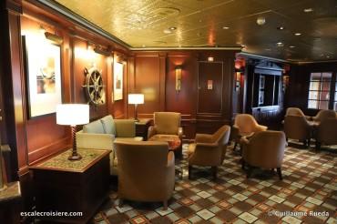 Crown Princess - Wheelhouse bar