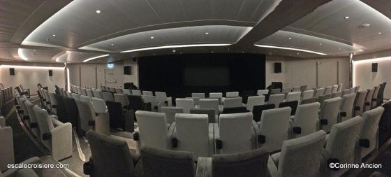 Le Dumont D'Urville - Théâtre