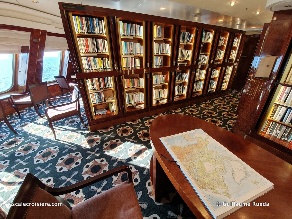Queen Mary 2 - Bibliothèque