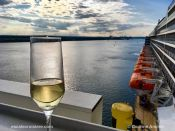 Queen Mary 2 Champagne