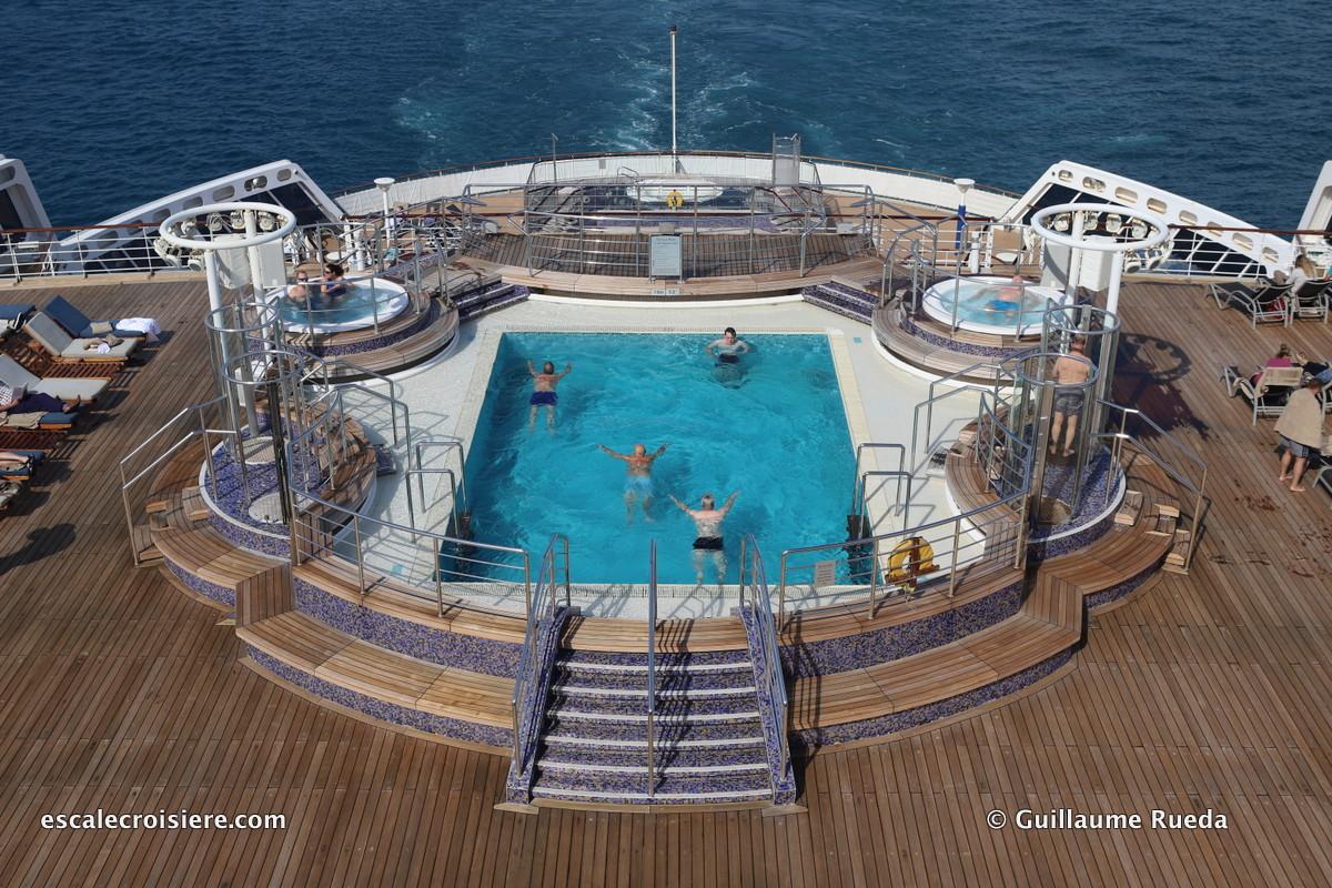 Queen Mary 2 - Piscine