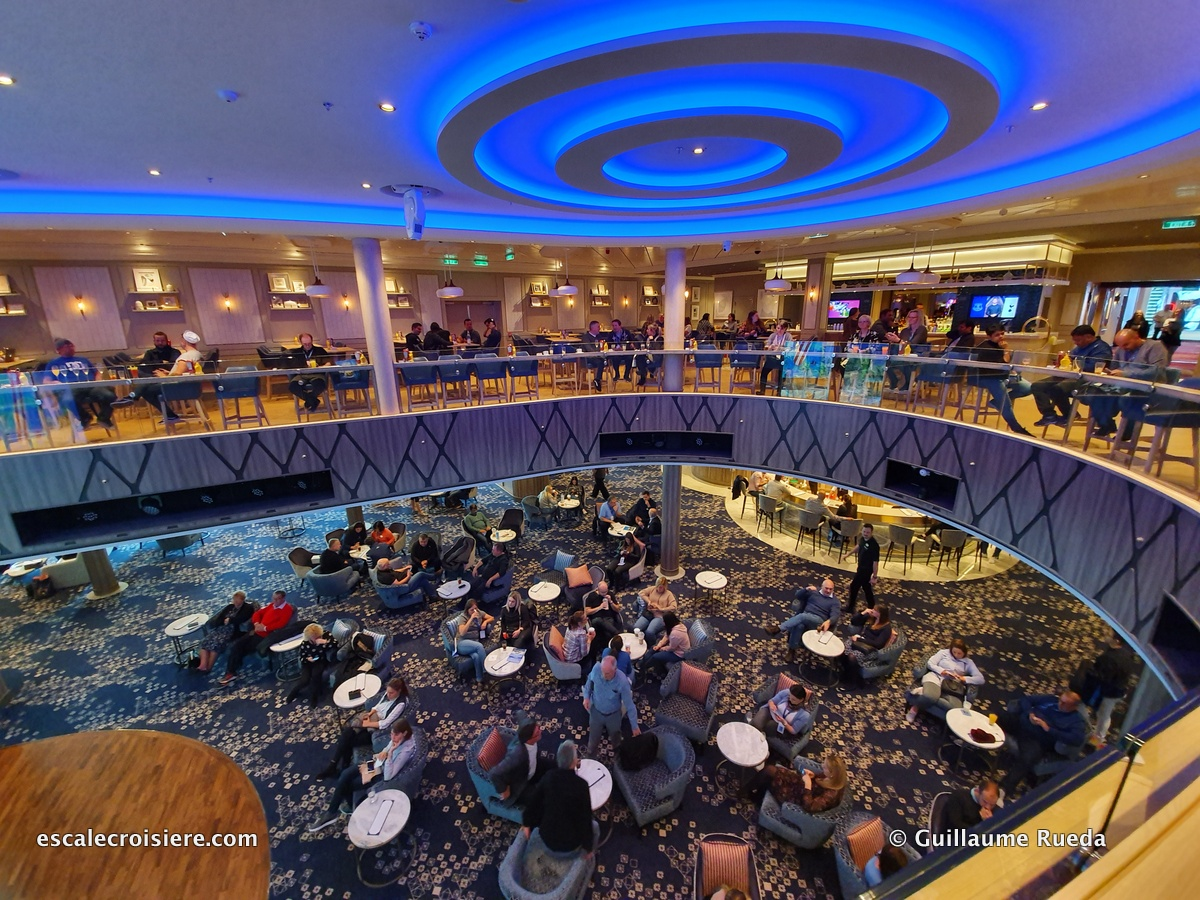 Atrium - Norwegian Encore