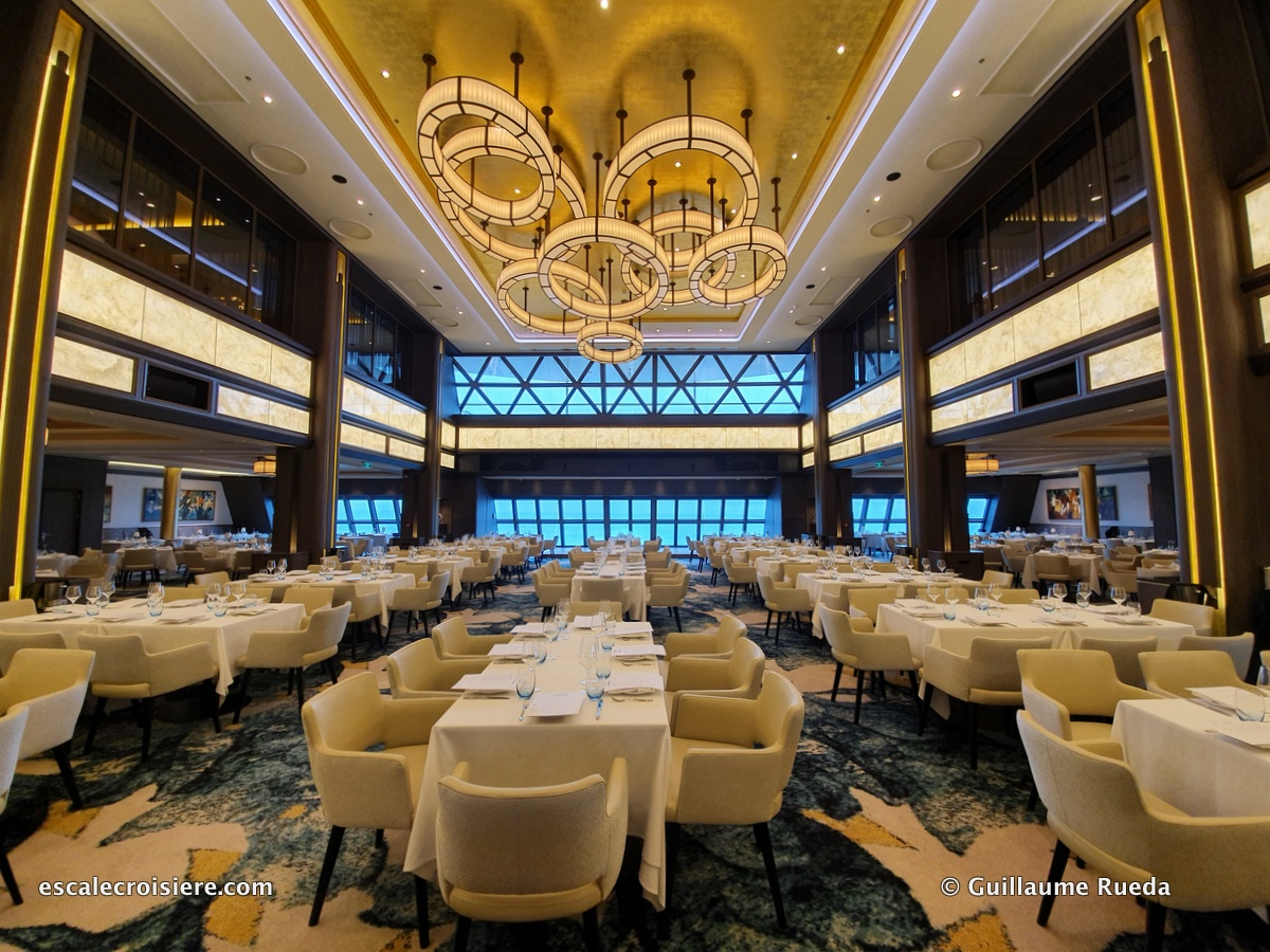 Manhattan restaurant - Norwegian Encore