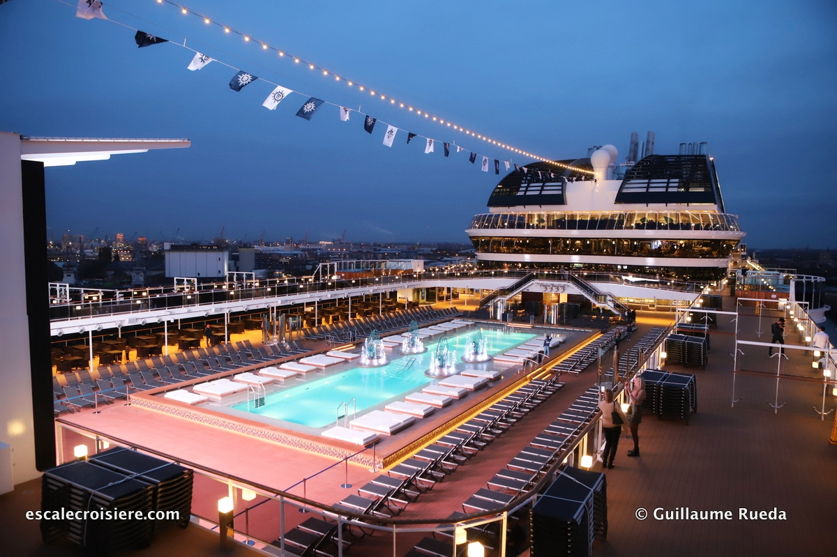 MSC Grandiosa - Atmosphere pool
