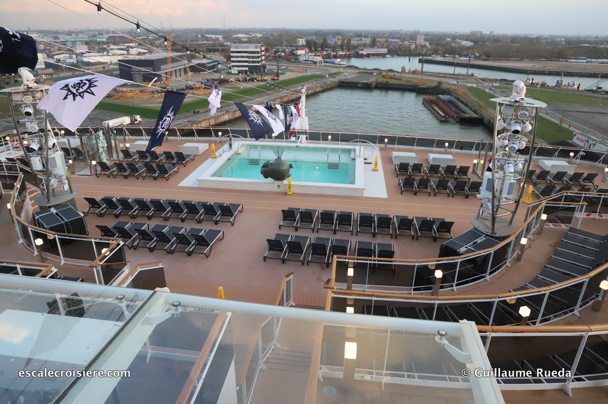 MSC Grandiosa - Horizon pool