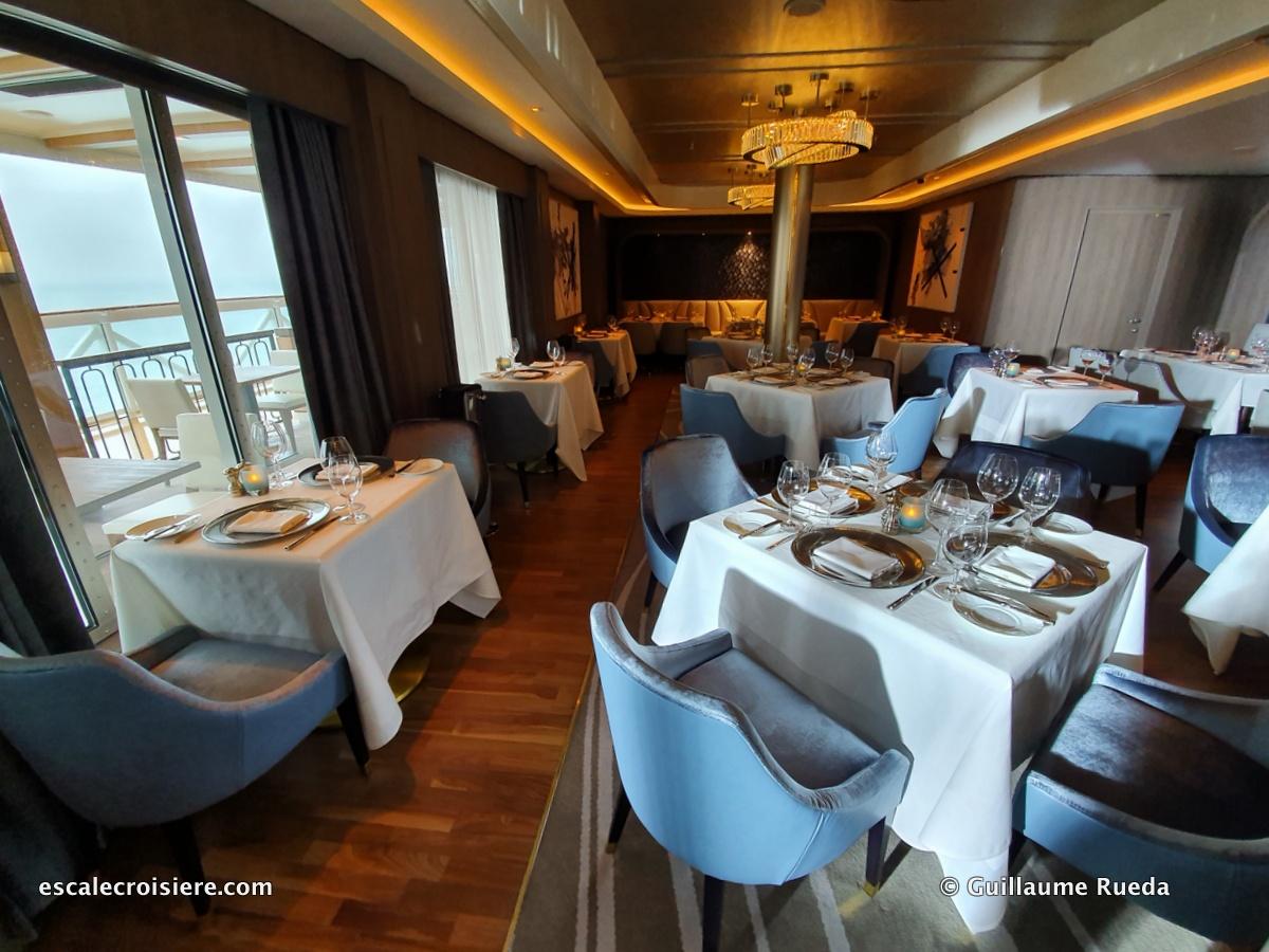Ocean Blue restaurant - Norwegian Encore