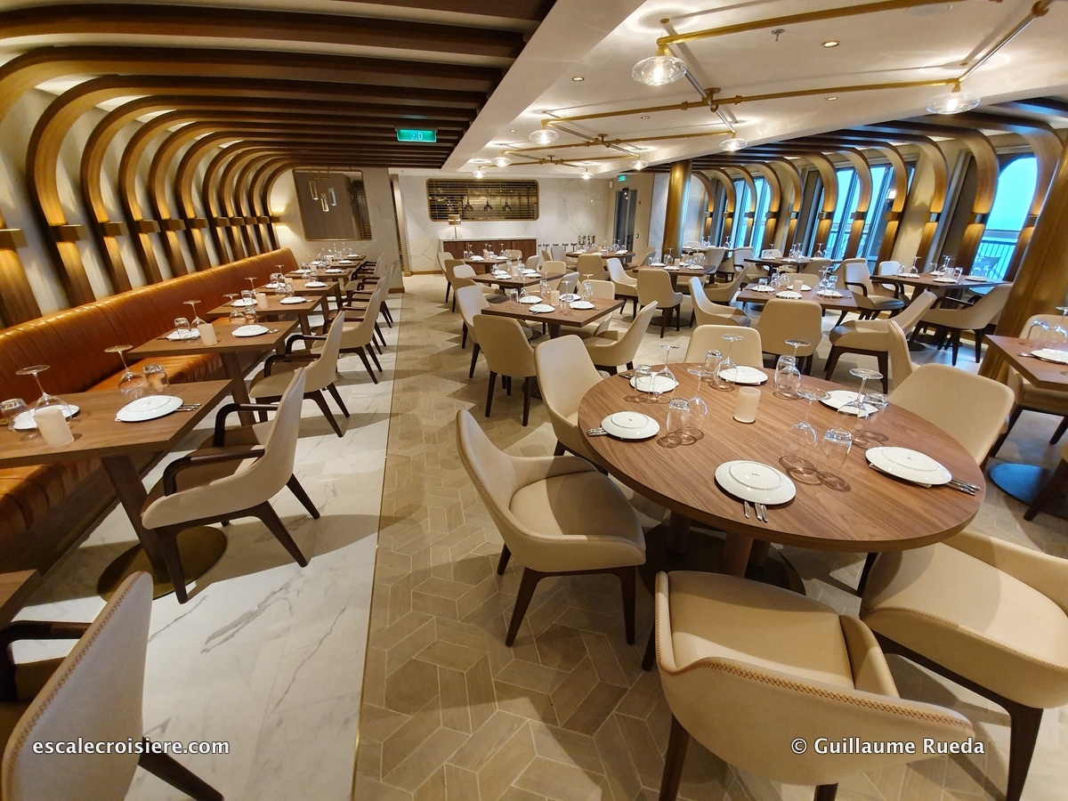 Onda restaurant - Norwegian Encore