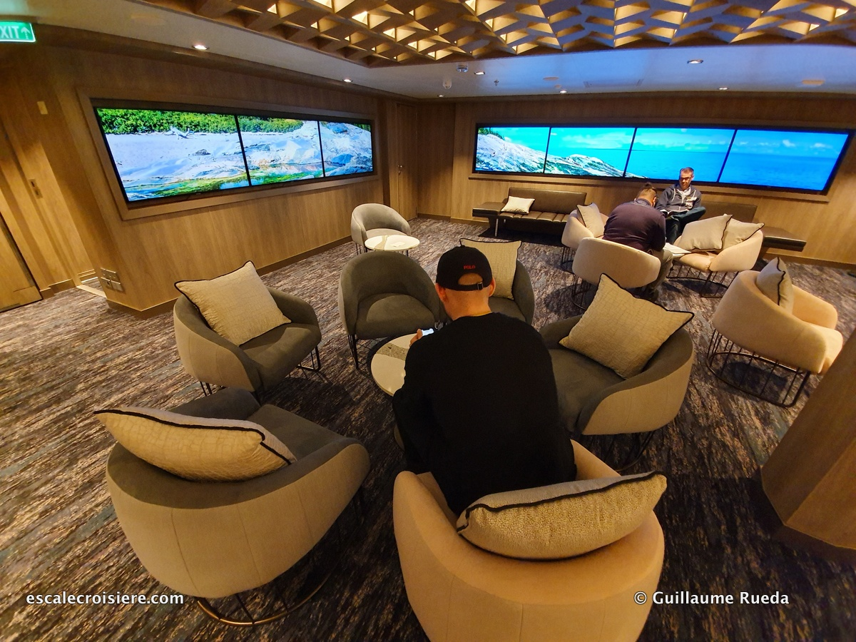 Studio Lounge - Norwegian Encore