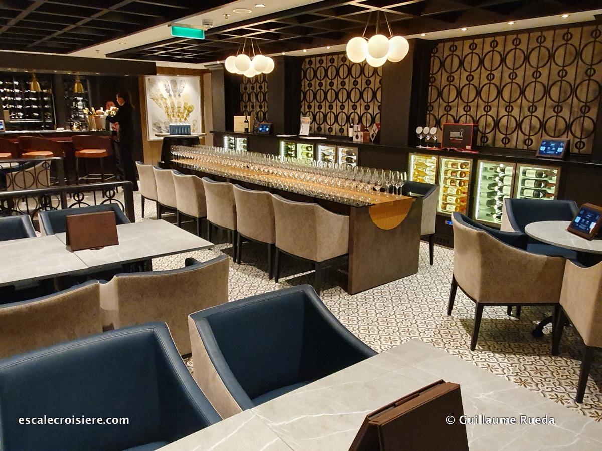 The Cellars Wine bar - Norwegian Encore