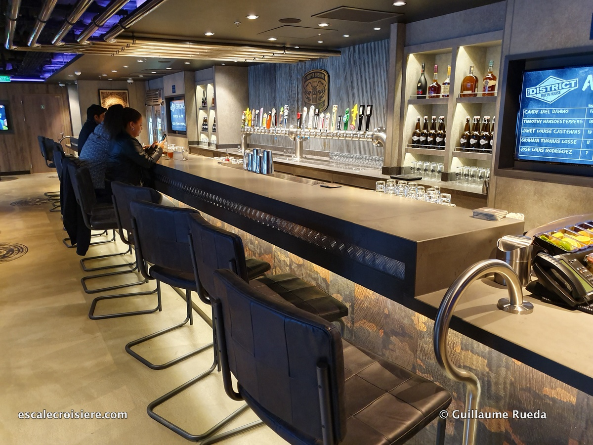 The District Brew House - Norwegian Encore