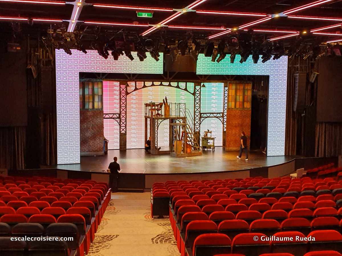 Theatre - Norwegian Encore