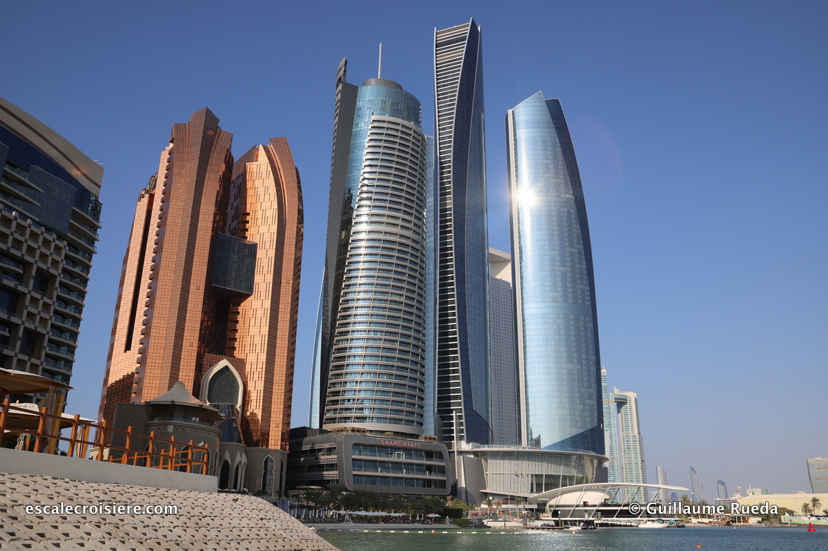 Abu Dhabi - Etihad towers