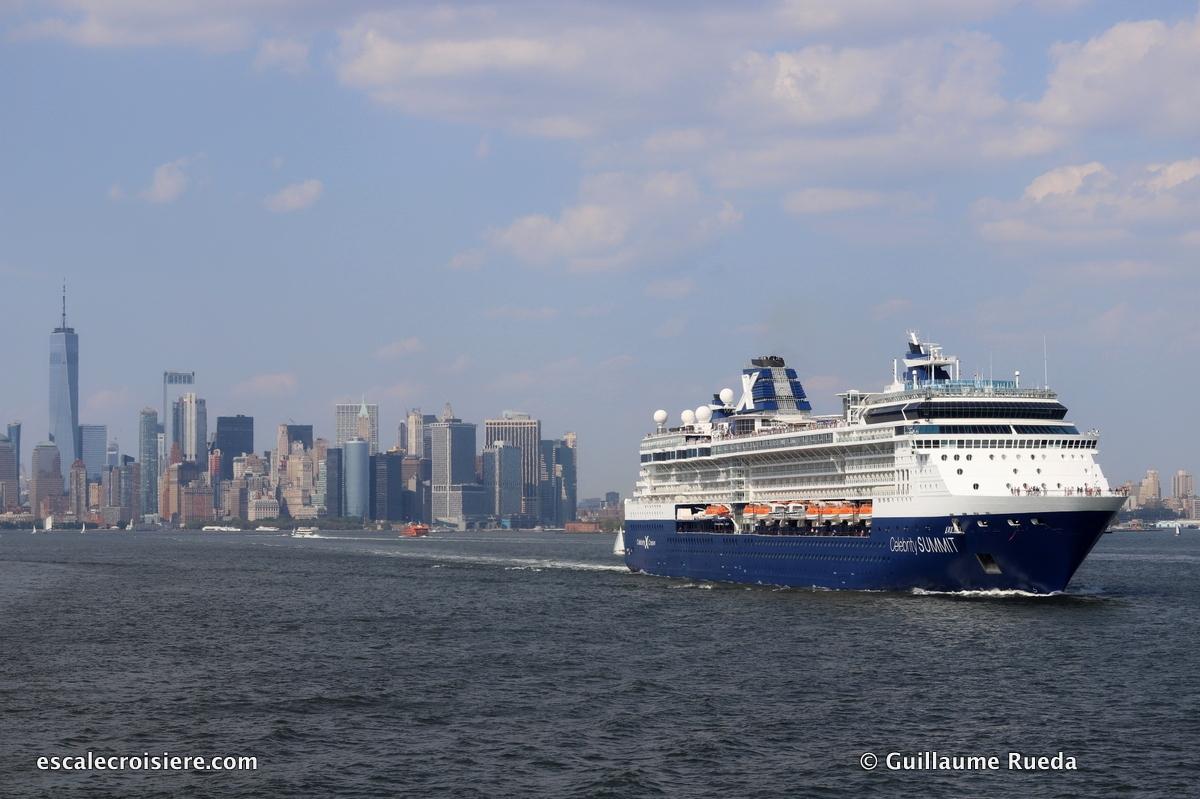 Celebrity Summit quittant New York depuis Cape Liberty
