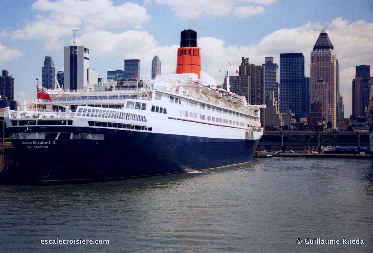 Queen Elizabeth 2 - QE2 New York