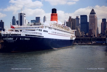 Queen Elizabeth 2 - QE2 New York