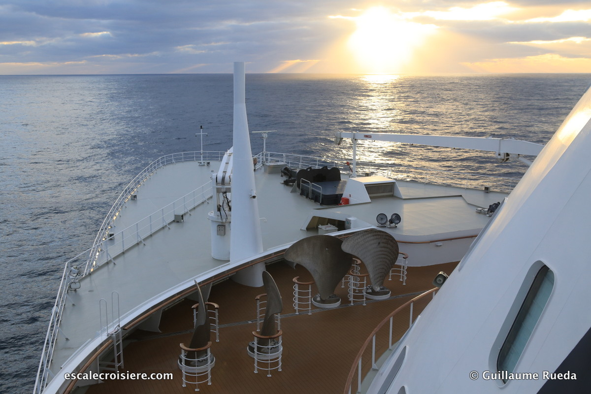 Queen Mary 2 - Commodore Club
