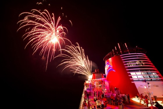 Fireworks at sea - Feux d'artifice - Disney Cruise Line