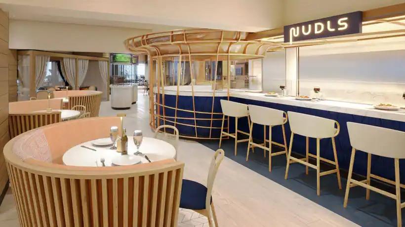Norwegian Prima - Indulge food hall - Nudls