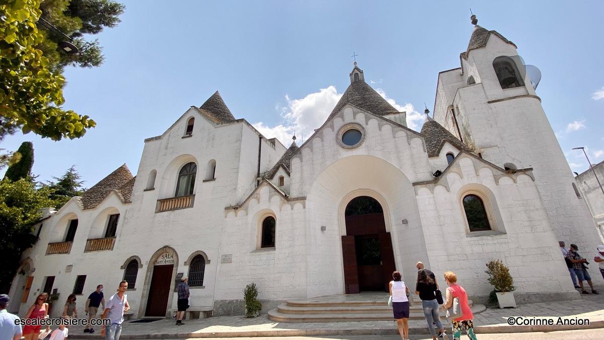 Alberobello - Eglise San Antonio