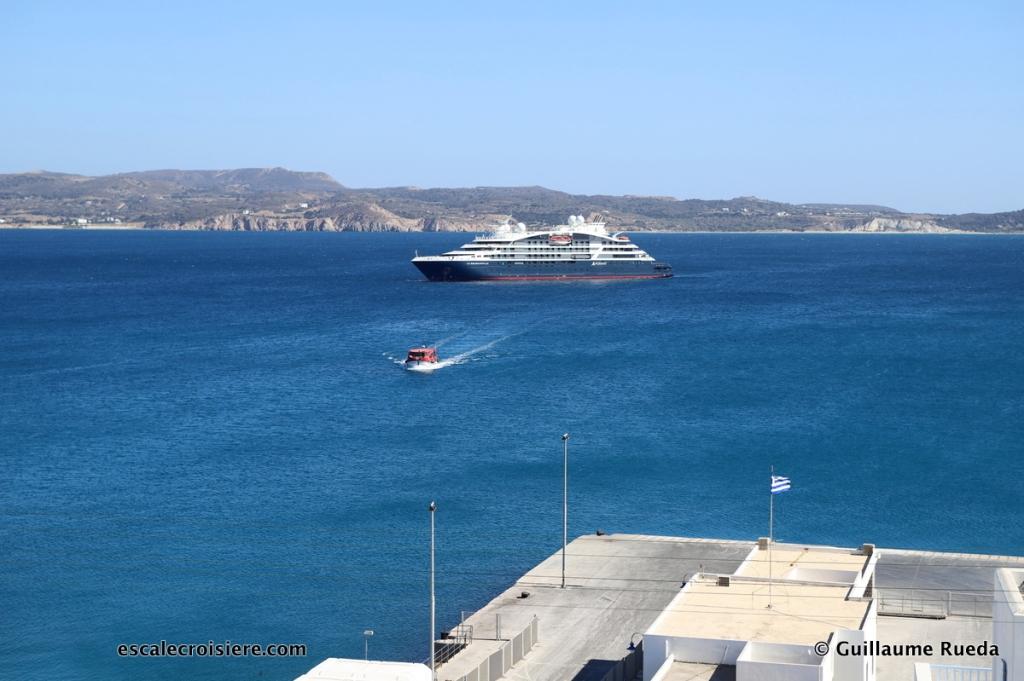 Milos - Grèce - Le Bougainville