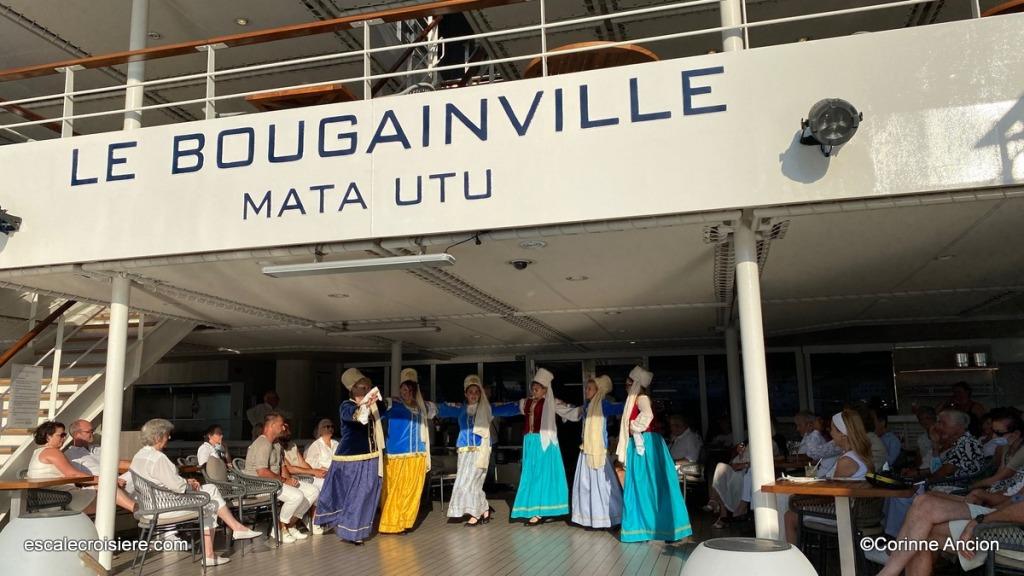 Patmos - Grèce - Soirée folklorique Le Bougainville